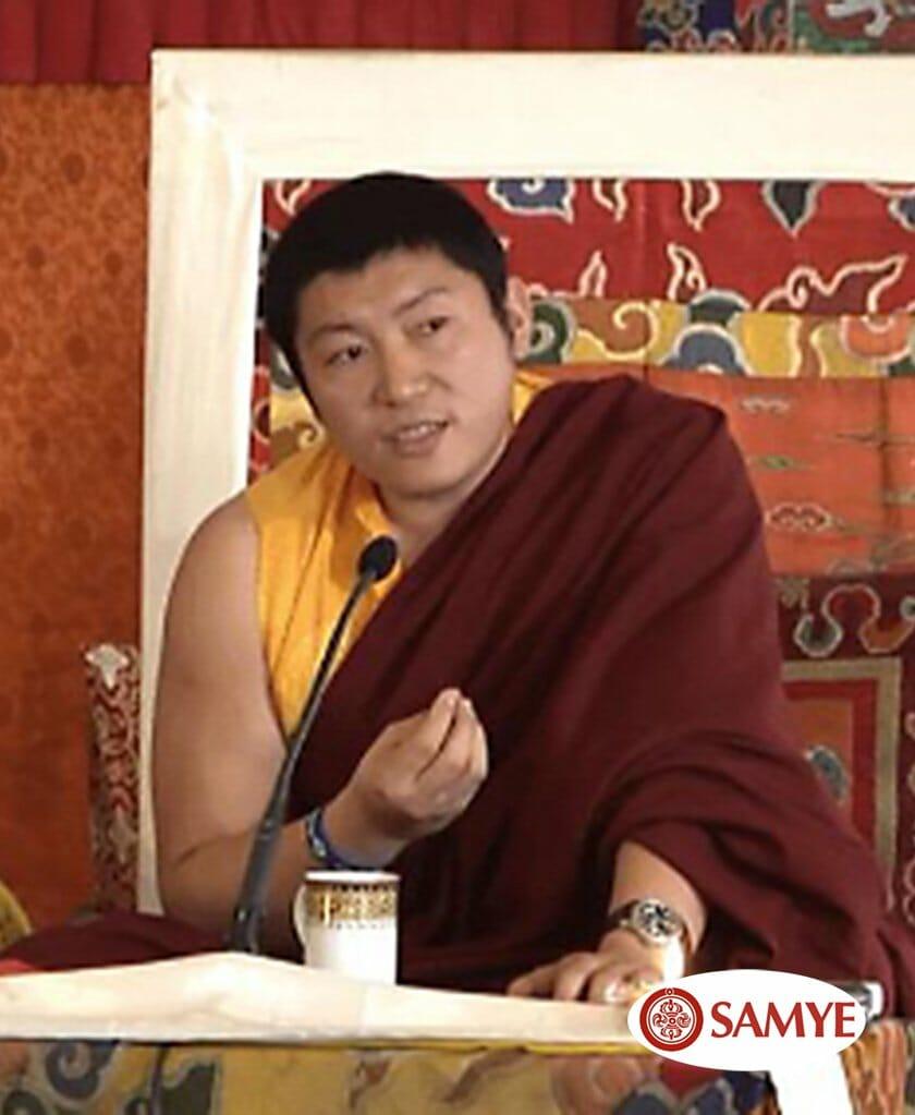CONCILIAR LA PRÁCTICA DEL DHARMA Y LA VIDA COTIDIANA MEDIANTE LA BONDADPhakchok Rinpoche